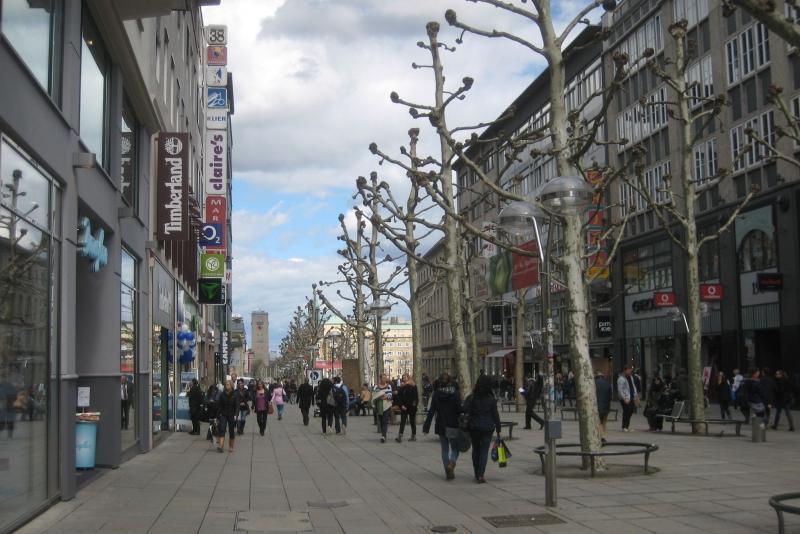 Die Stuttgarter sind gern in ihrer Stadt unterwegs. Foto. Stadt Stuttgart / Beutel